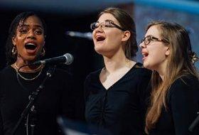 Tyndale singers in the Chapel