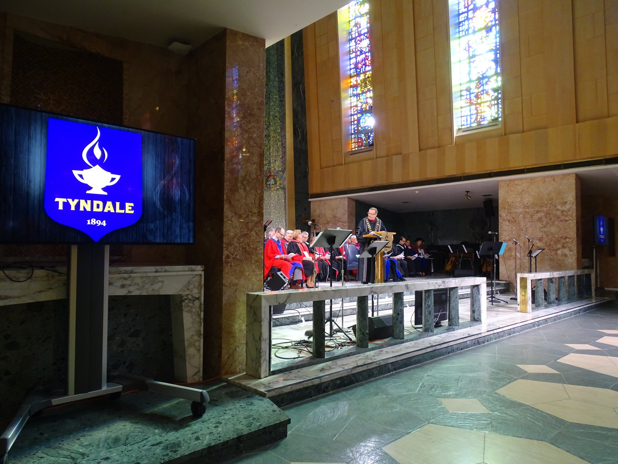 Tyndale Faculty at front of Chapel