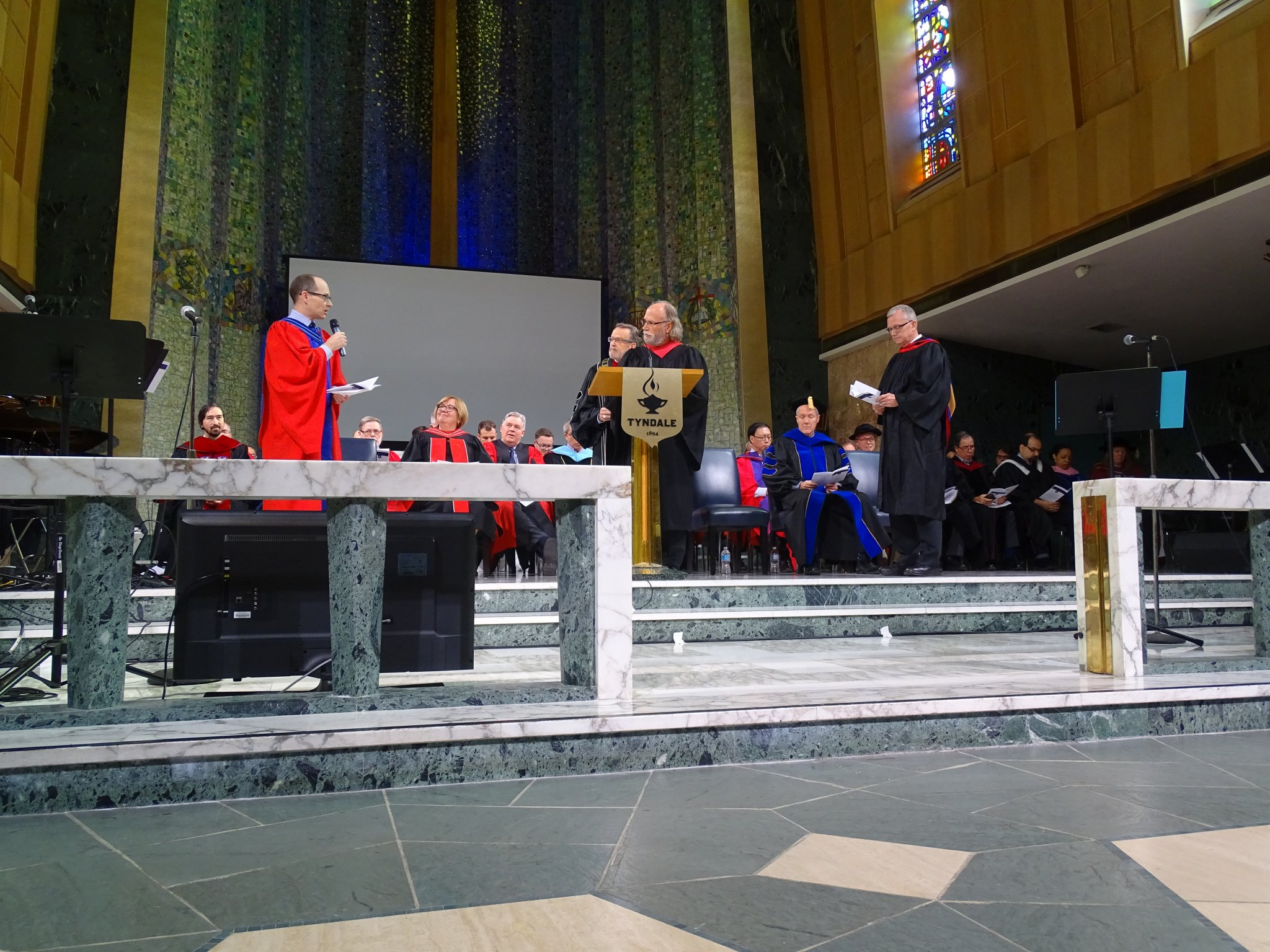 Installation and Commissioning (photo 1)